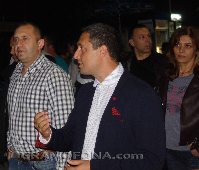 Президентът Румен Радев пристигна при нестинарите