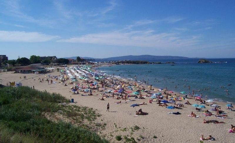 Двама съдружници поемат плажа в Лозенец за 20 години