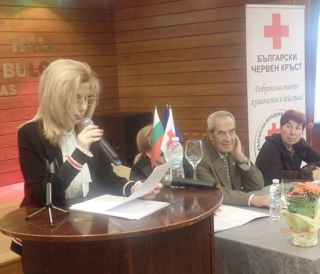 Близо 15 000 души са получили помощ от Червения кръст в Бургас