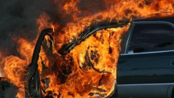 Задържаха подпалвач на мерцедес в Айтос