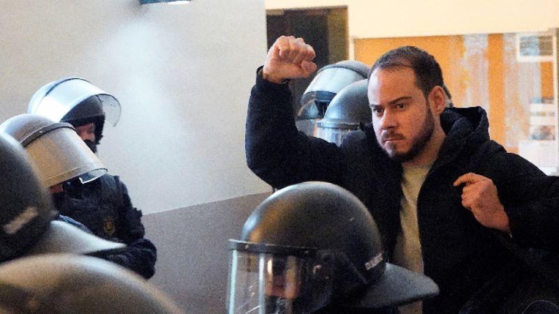 Арести след протест в подкрепа на испански рапър
