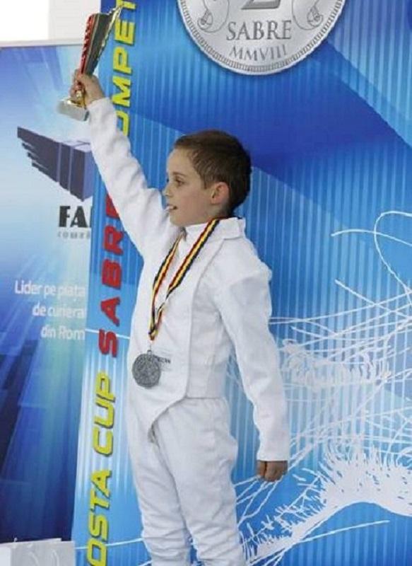 Сребро за бургаски състезател по фехтовка