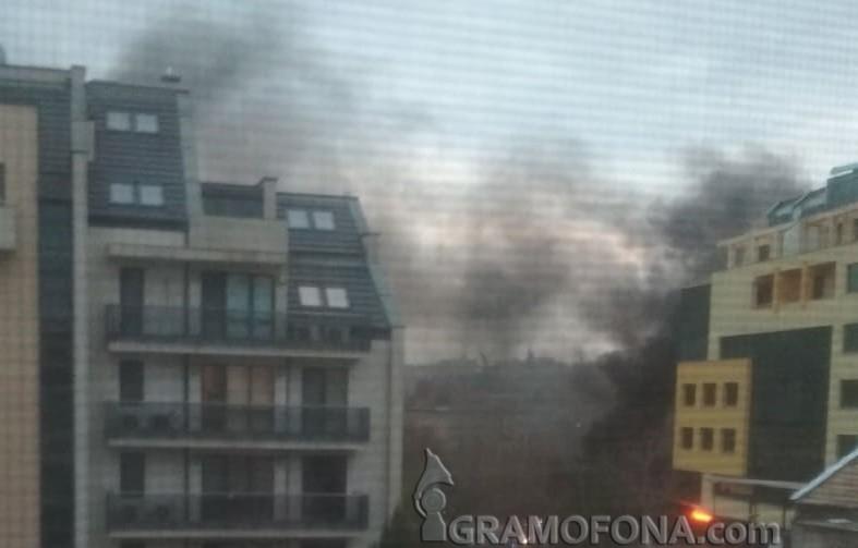 Подпалени контейнери одимиха центъра на Бургас