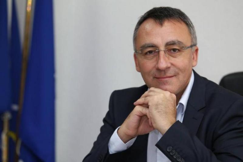 Диян Стаматов: Директорите могат да платят на квесторите от икономии