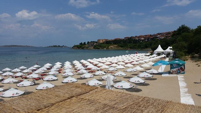 Правителството скъса договорите с концесионери на плажове в Созопол и Лозенец