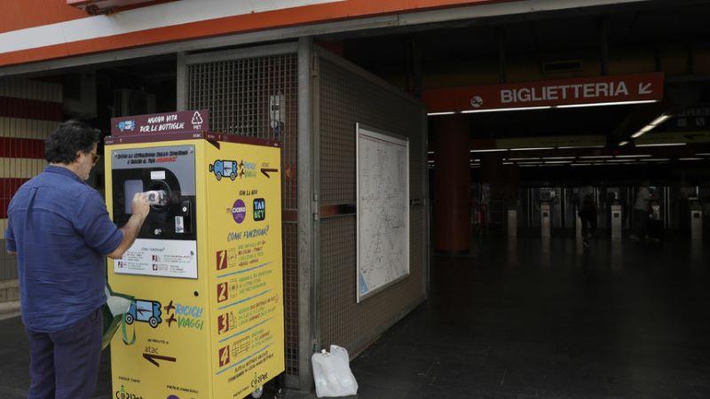 Защо не и в Бургас: В Рим купуват билети за градски транспорт срещу рециклиране