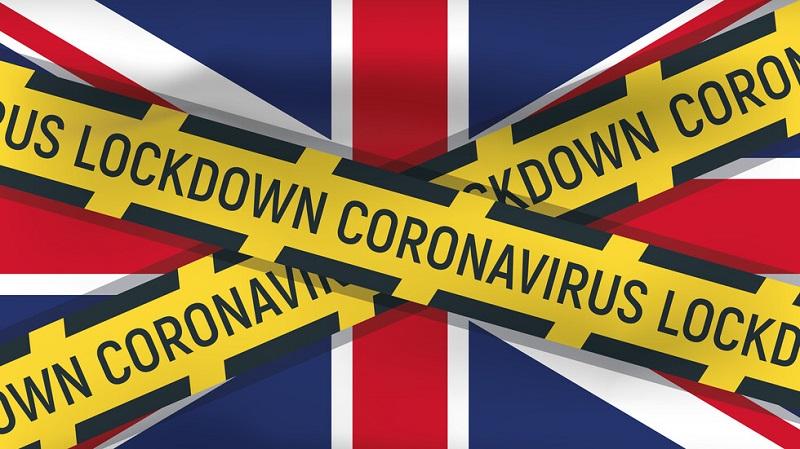 Великобритания затваря всички заведения след 22 часа