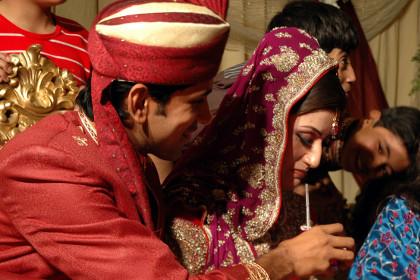 В Пакистан: Законопроект за защита на жените препоръчва лекия бой