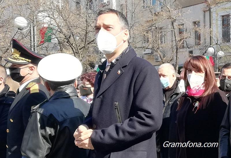 Димитър Николов: Страната се намира в трета фаза на пандемията