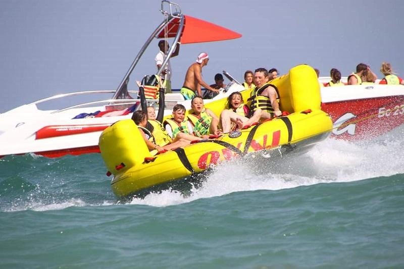 Топ забавления вдигат адреналина на плажа в Слънчев бряг