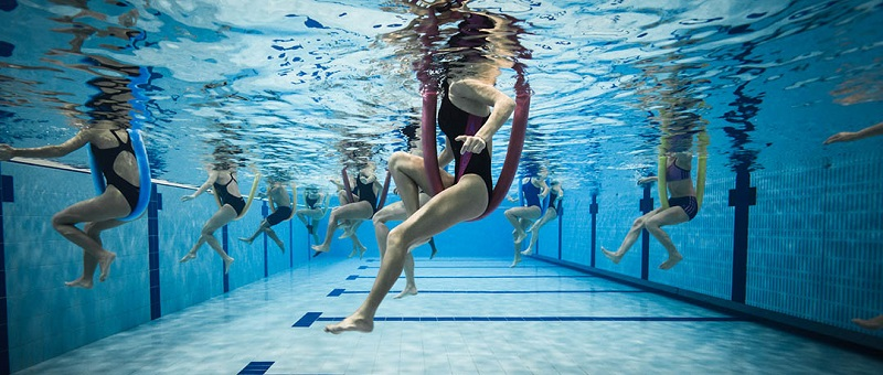 Извайте силует и подобрете здравето си с комбинирана тренировка водна аеробика и акваспининг: Единствено в СПА център 6th Sense