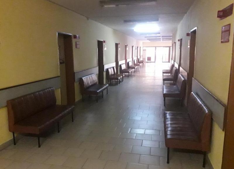 Пациенти зъзнат в здравната служба на Долно Езерово
