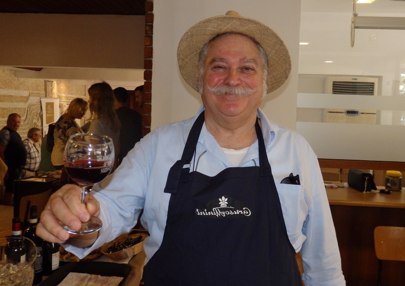 За виното, печеното агнешко и красивите българки с топ сомелиера Маурицио Ферери