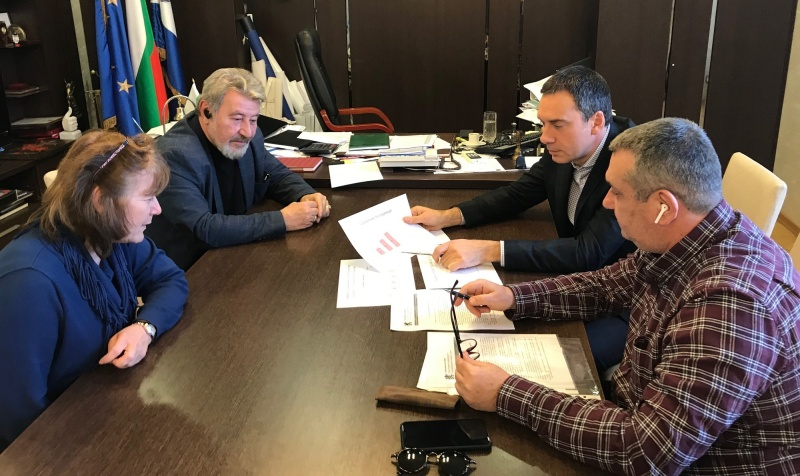 Бургаският кмет предлага грипна ваканция от вторник до петък