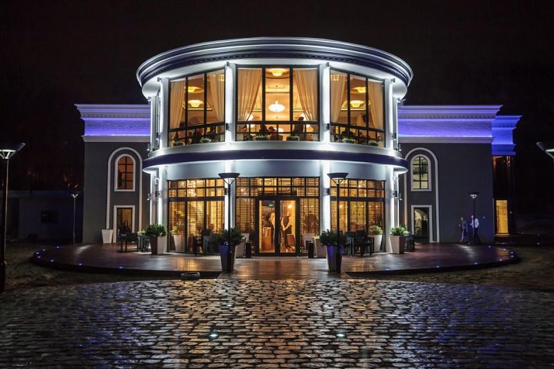 Ресторант и бар Нептун през март - територия, запазена за жени