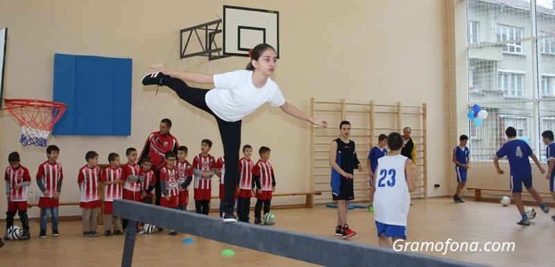 Повече спорт за най-малките ученици иска общински съветник