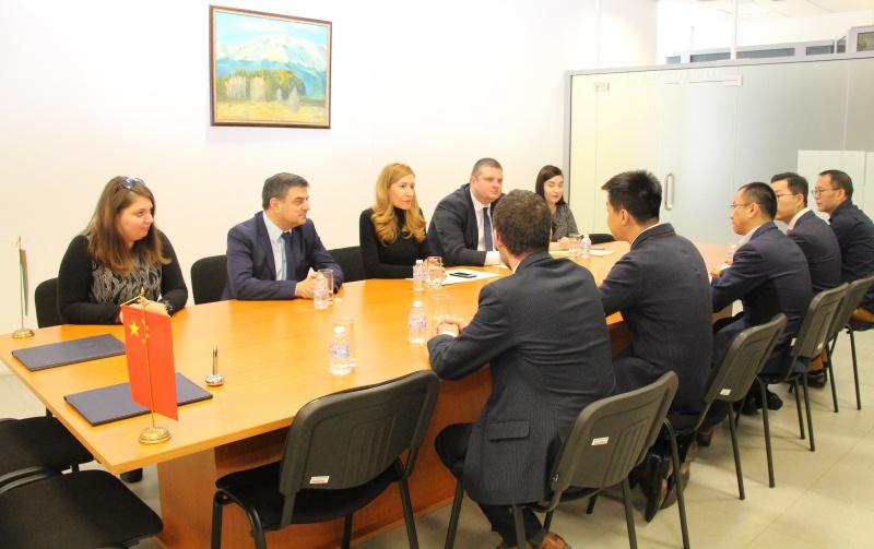 Подписахме с водещ туроператор да води китайци в България