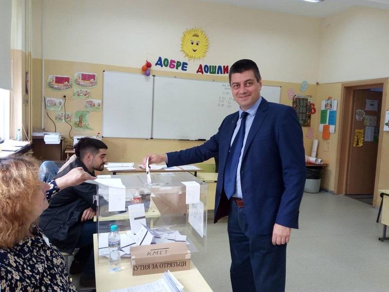 Владимир Павлов гласува за ново бъдеще на бургазлии