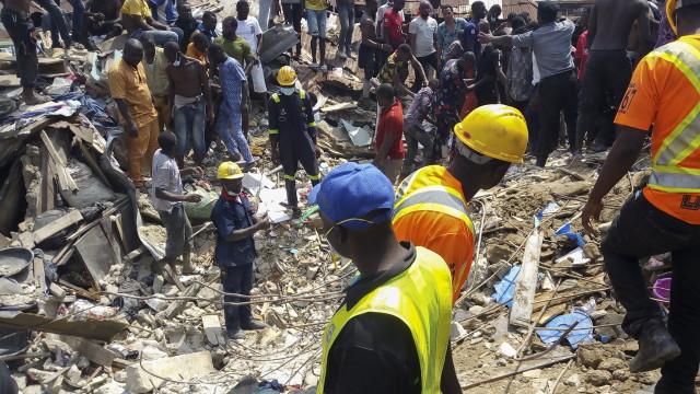 8 жертви след срутване на сграда в Нигерия