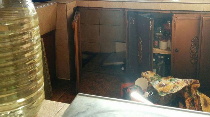 509 л. нелегален алкохол в тайна изба в Карнобат