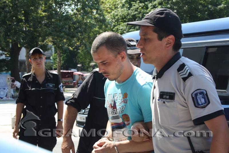 ВКС намали присъдата на Бабата, който намушка над 10 пъти Галина