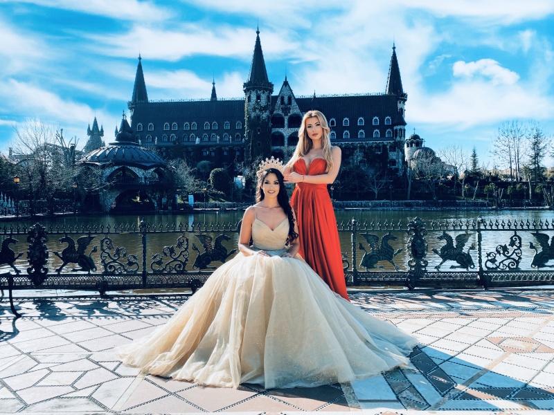 Най-красивите омъжени дами в Бургас направиха приказна фотосесия в замъка в Равадиново
