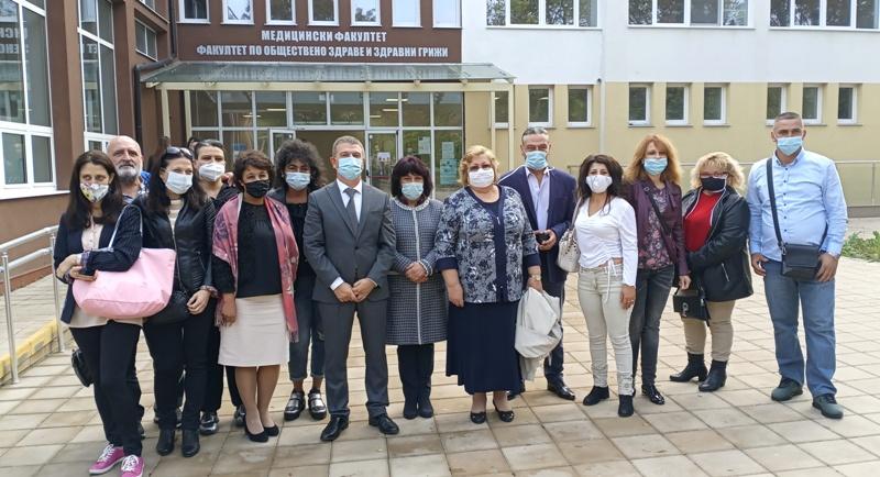 Честито на първия Випуск парамедици в Бургас