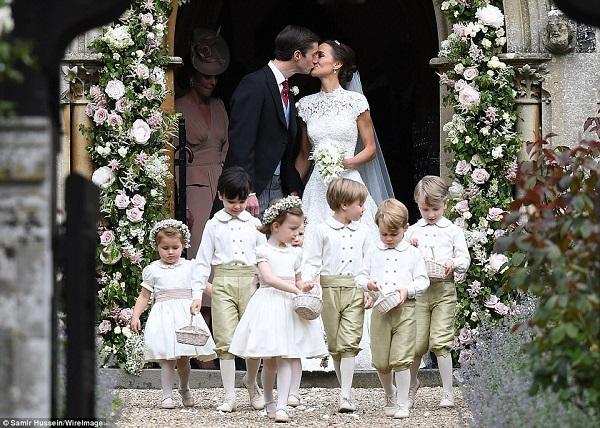 Гаджето на принц Хари пропусна сватба, за да не засенчи булката