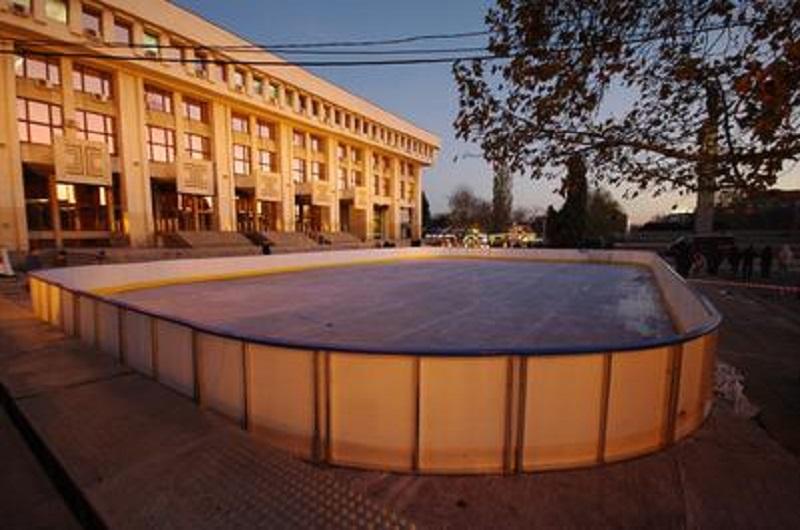 Общината умува дали да купи ледена пързалка втора ръка