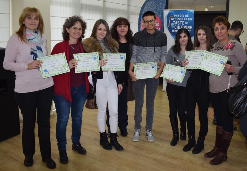 Завършващ ученик ще може да влезе без изпит в университет в Бургас