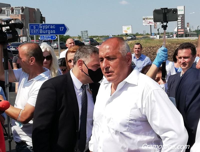 Премиерът Борисов пристигна в спецпрокуратурата за разпит