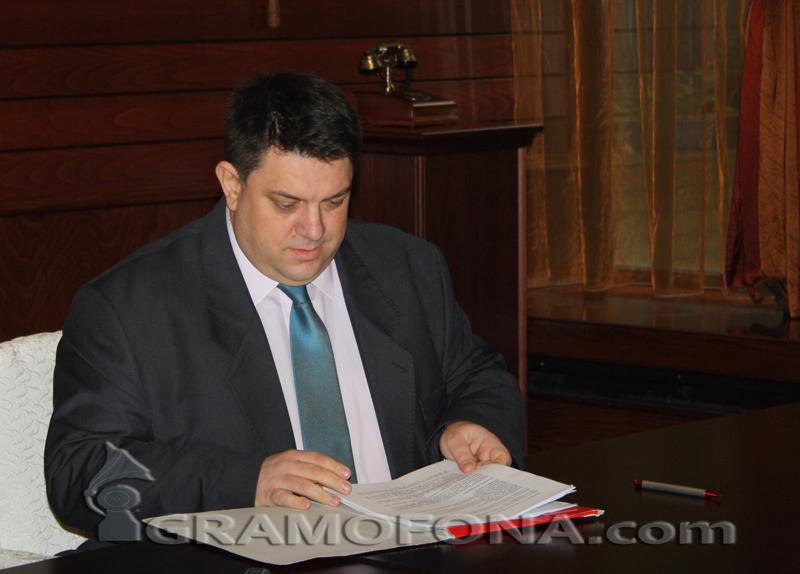 Атанас Зафиров с отвод за лидерския пост в БСП