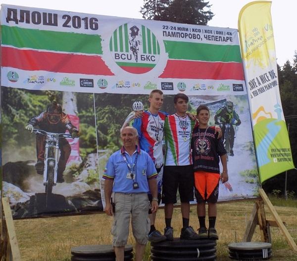 Сребро и бронз за бургаски колоездачи