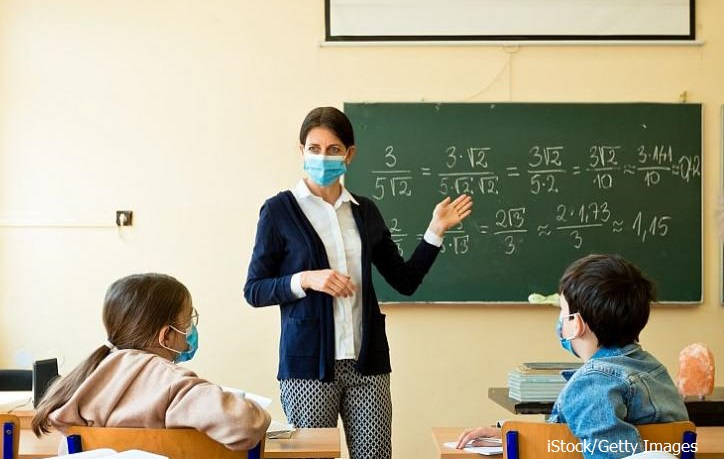 4,9% от учителите в Бургаско или с Covid, или под карантина