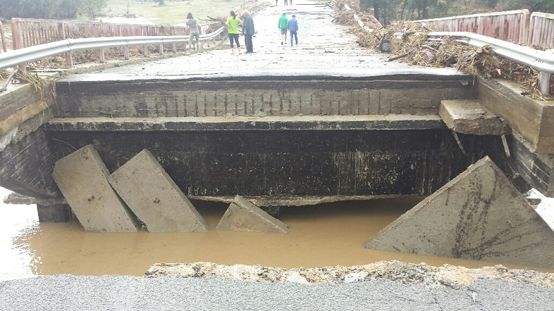 След пропадналите мостове в Приморско, дойде ред и на пътищата