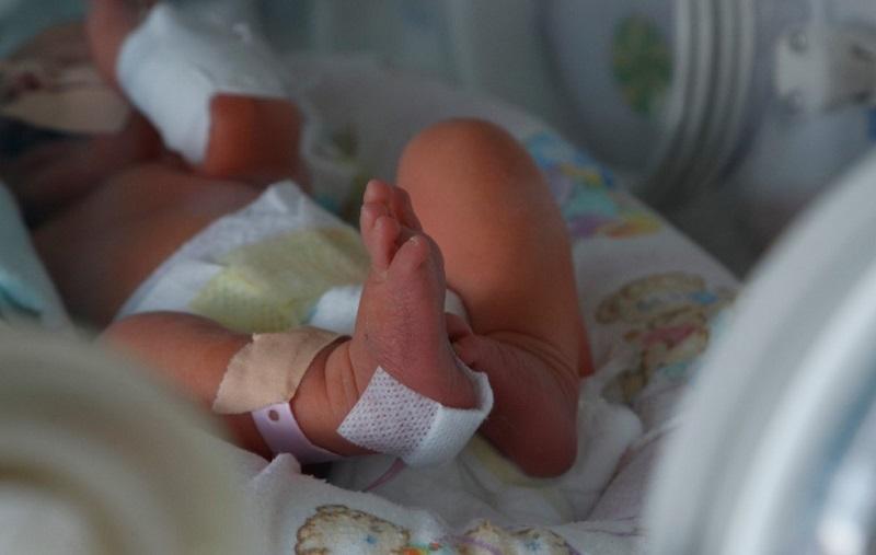 УМБАЛ Бургас получи 510 пакета специални пелени за недоносени бебета