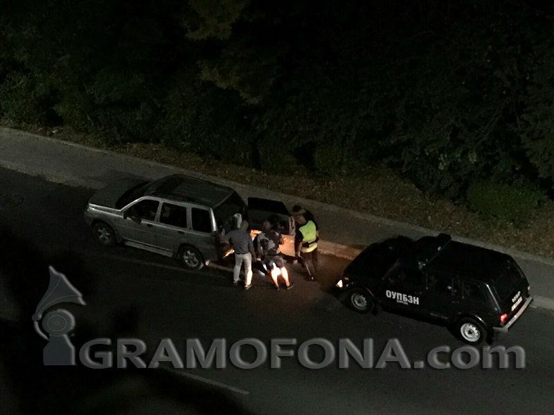 Полиция и гражданска защита блокираха джип в Лазур