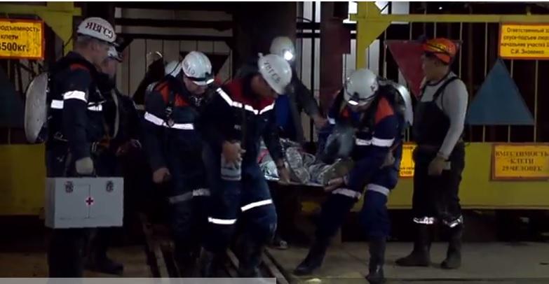 Спасиха миньор от наводнената диамантена мина в Якутия, 8 са в неизвестност