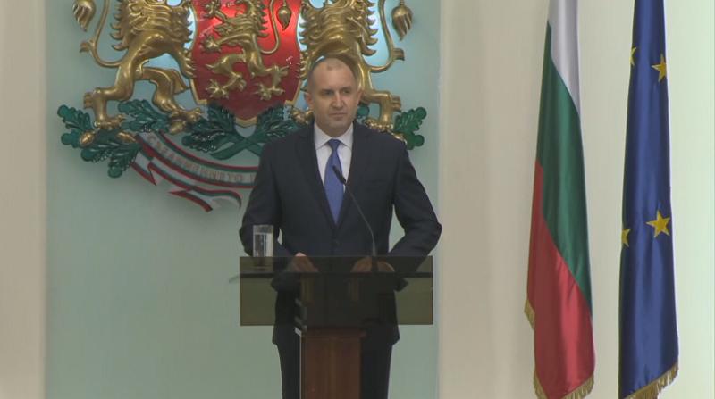 Президентът в извънредно обръщение: Снемам доверие от правителството