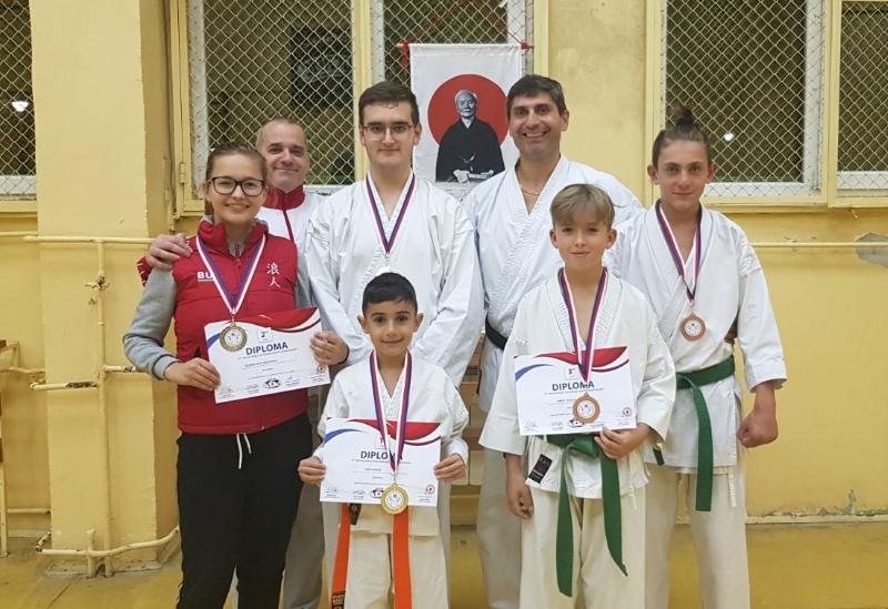 Бургазлии спечелиха 5 медала от световна купа по карате в Чехия