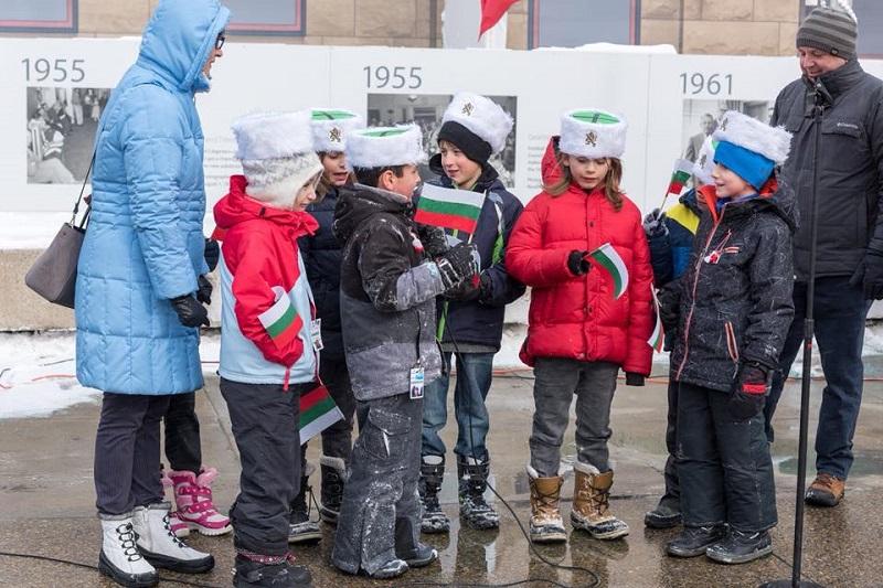 Българите в Калгари за втори път издигат националния ни флаг