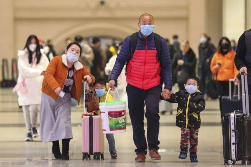 56 души са загинали в Китай след заразяване със смъртоносния коронавирус