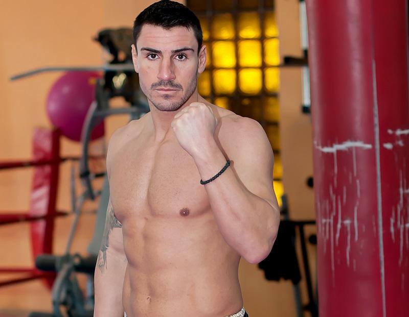 Любимецът на Бургас Атанас Божилов се качва на ринга на MAXFIGHT 44