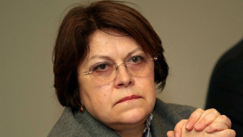Татяна Дончева прочете фейк в ефира на БНТ, а после се извини