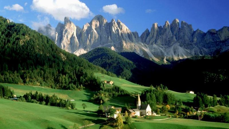 Десетки българи са блокирани на Алпите