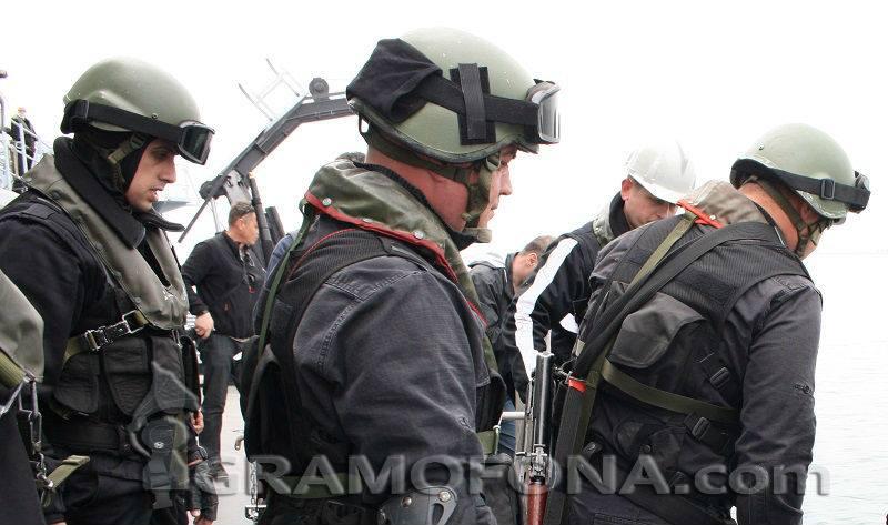 300 военни поемат охраната на границата с Турция и Гърция