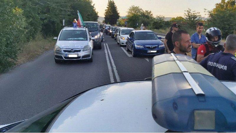 Километрично задръстване по магистрала Тракия заради протестно автошествие