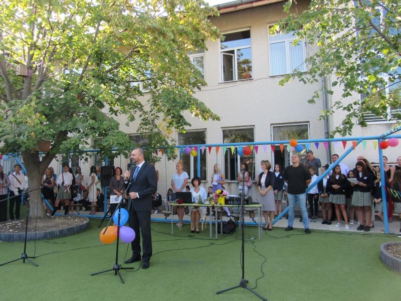 Най-модерното училище в община Несебър откри учебната година (СНИМКИ)