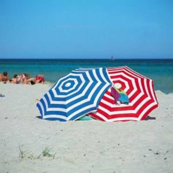 Жега е, бързо на плажа
