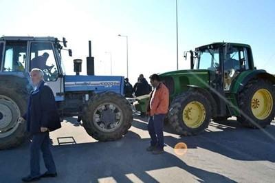 Гръцкото правителство призова за преговори след блокадата на фермерите